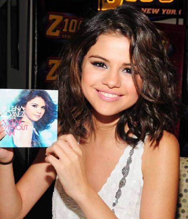 Selena Gomez con un caschetto lungo
