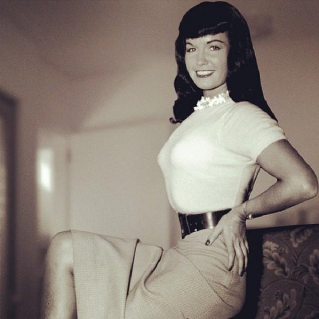Bettie Page, una delle prime pin-up americane negli anni '50.