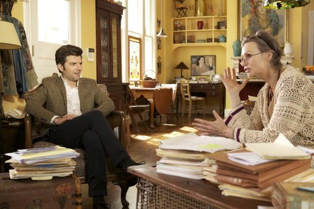 Carter e la dottoressa Judith (Jane Lynch) in una scena del film