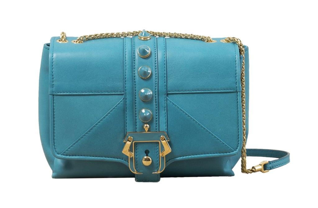 Modello Alice, Paula Cademartori pre SS 14. Tracolla in nappa deep ocean blue con fibbia e borchie smaltate in tono