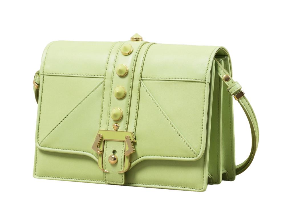 Modello Tatiana, Paula Cademartori pre SS 14.  Tracolla in nappa flavin green con fibbia e borchie smaltate in tono