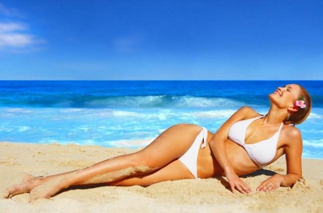L'esposizione al sole deve sempre essere accompagnata a prodotti che proteggano la pelle dai raggi ultravioletti