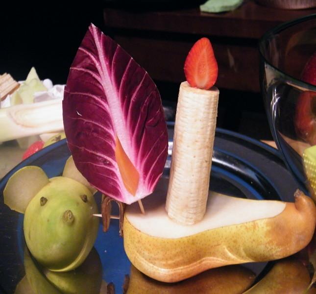Sculture di frutta e verdura