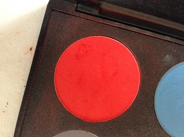ombretto rosso utilizzato