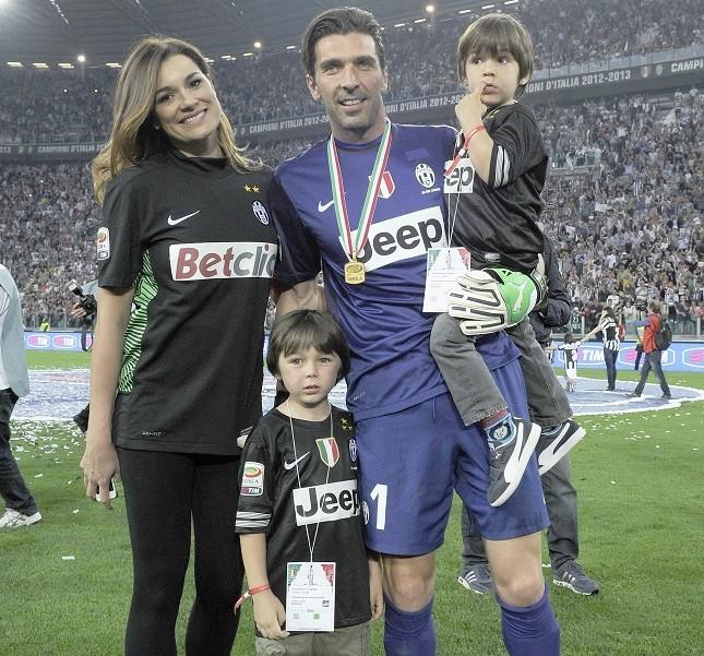 Alena Seredova e Gigi Buffon con i figli