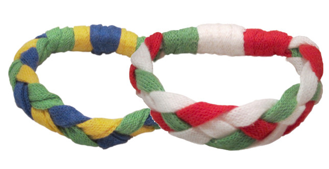 DMC, braccialetti realizzati in Ribbon Xl, un filato particolare, Mondiali di Calcio Brasile 2014