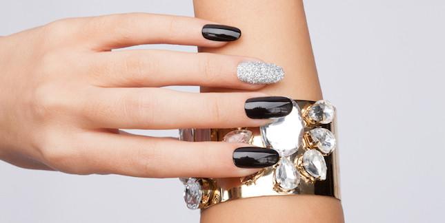 Per una manicure perfetta per giorni, gli smalti semipermanenti sono l'ideale
