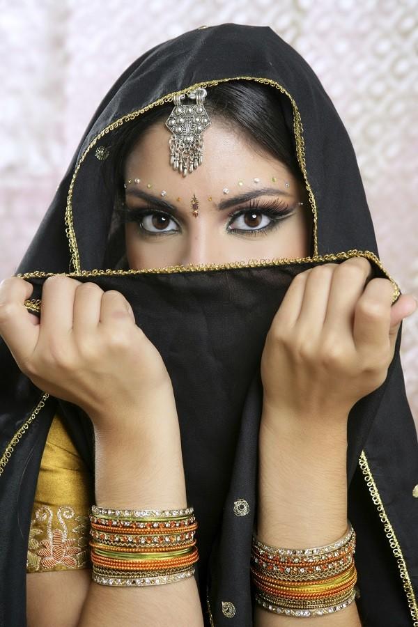questo metodo di depilazione è usato da secoli dalle donne arabe