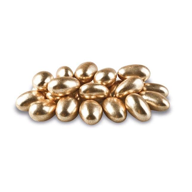 I confetti d'oro sono utilizzati per festeggiare i 50 anni di matrimonio