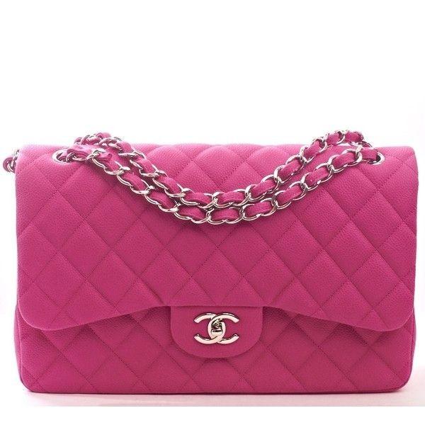 Dal colore fucsia questa 2.55 di Chanel è adatta ad un look iper estivo