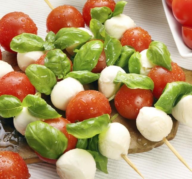 Un fresco ed estivo piatto tricolore, perfetto anche per chi è vegetariano