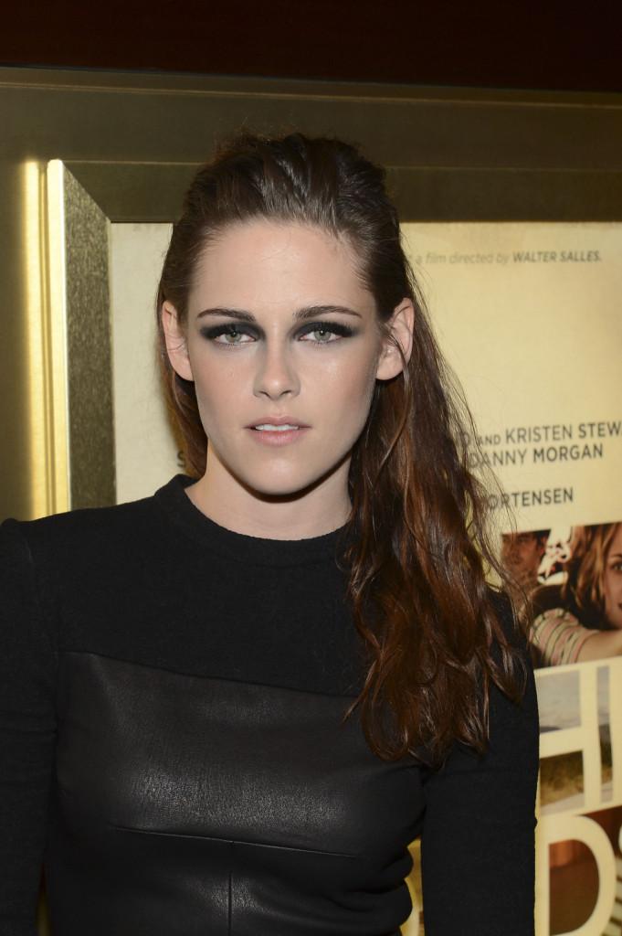 kristen stewart: la giovanissima attrice sfoggia uno smokey eyes particolare ed intenso