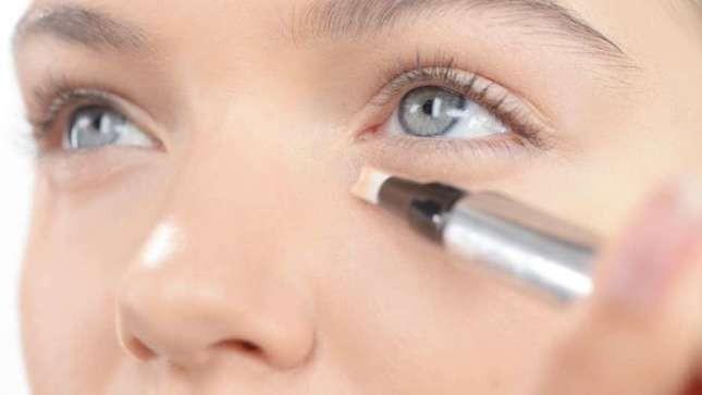 Illuminante occhi è in grado di donare luce e freschezza agli occhi