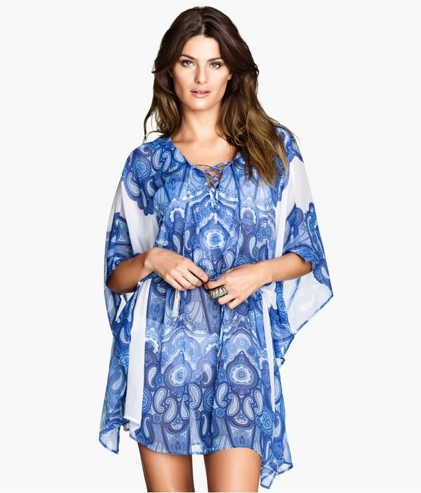 Caftano corto stampato nelle tonalità dell'azzurro dal tessuto leggero e fresco H&M