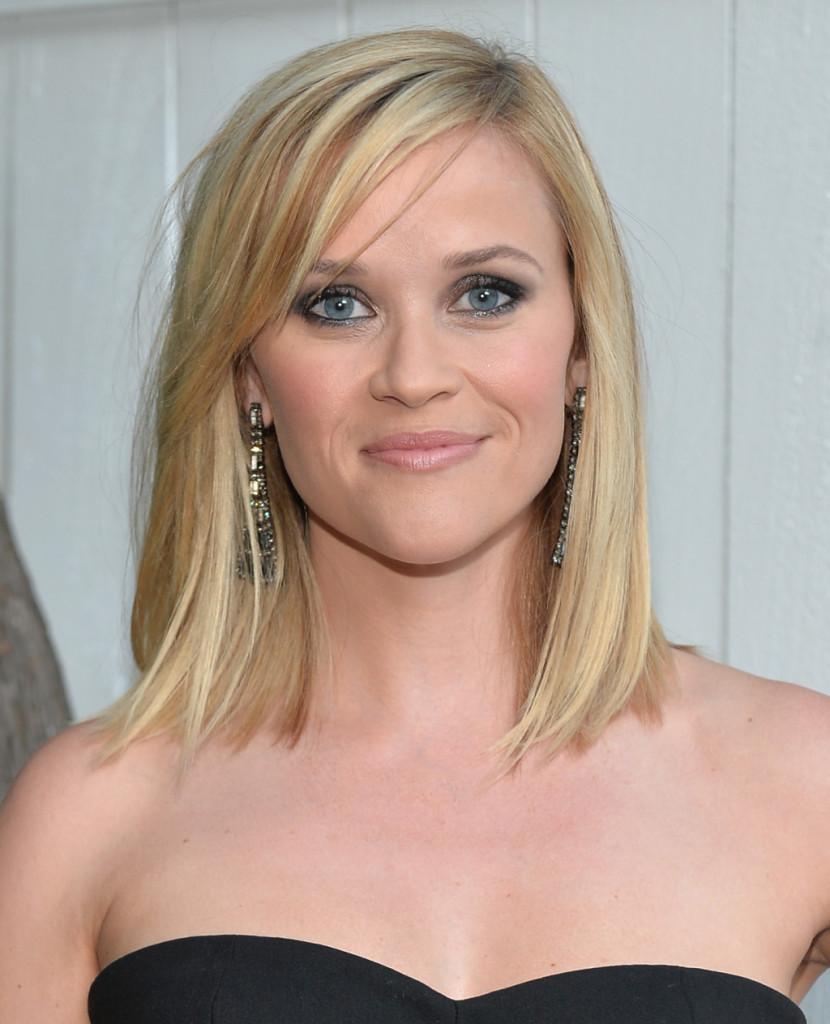 La frangia laterale è il signature look di Reese Witherspoon.