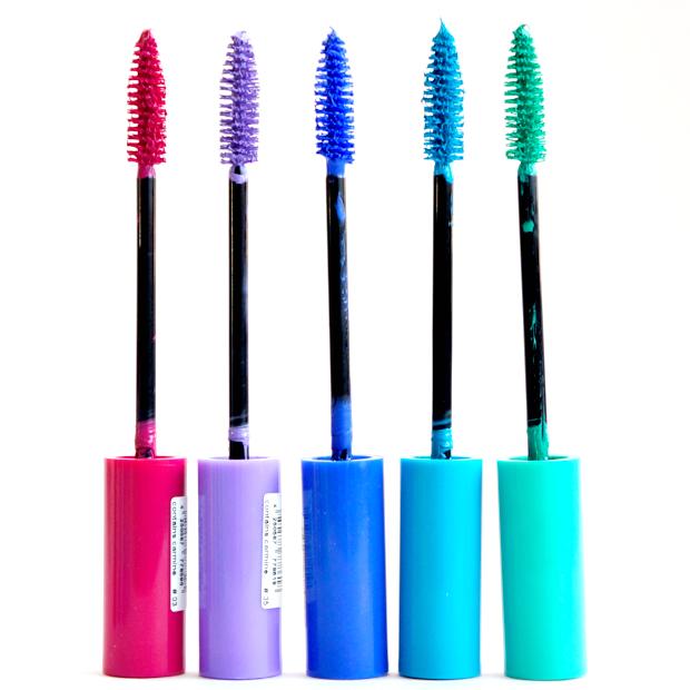 In 5 colori, i mascara Essence sono perfetti per il make up estivo - 3,79 euro