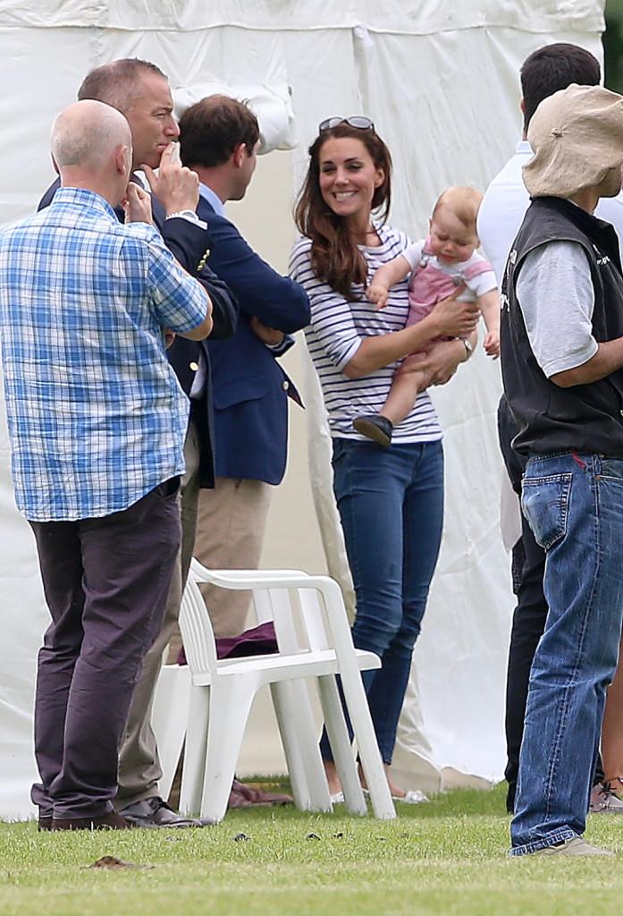 Kate e George assistono alla partita di polo di papà William