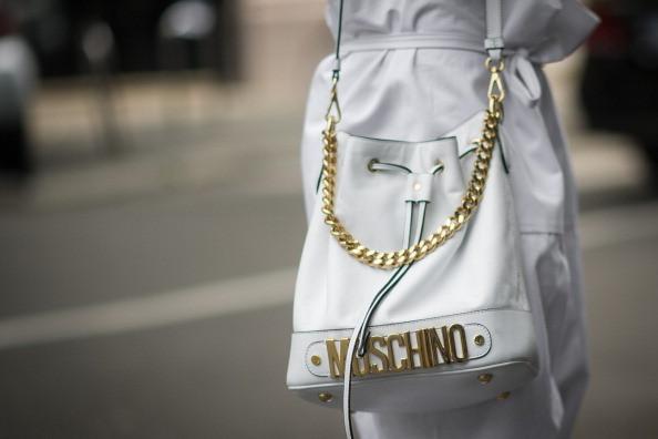 Street Style Men Fashion Week - Borsa Moschino