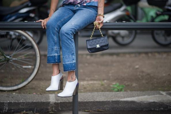 Street Style Men Fashion Week - Borsa Chanel