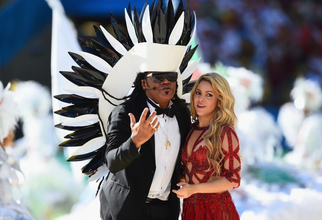 Shakira sul palco della cerimonia di chiusura dei Mondiali 2014