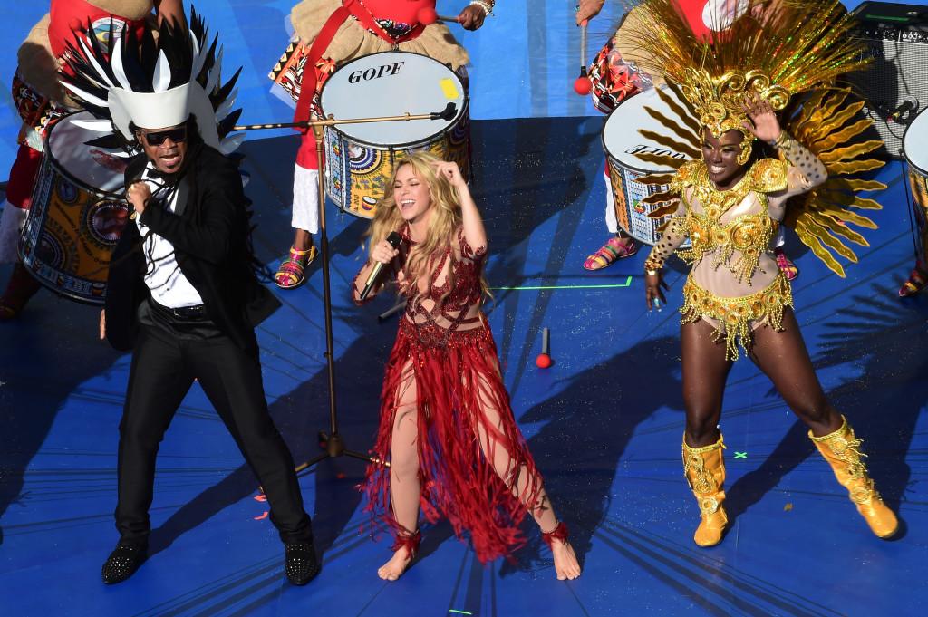 In occasione della cerimonia di chiusura dei Mondiali 2014, Shakira ha mostrato un pancino sospetto...