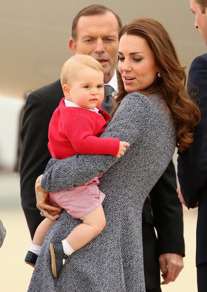 Kate e George arrivano a Canberra per la visita ufficiale della Royal Familu