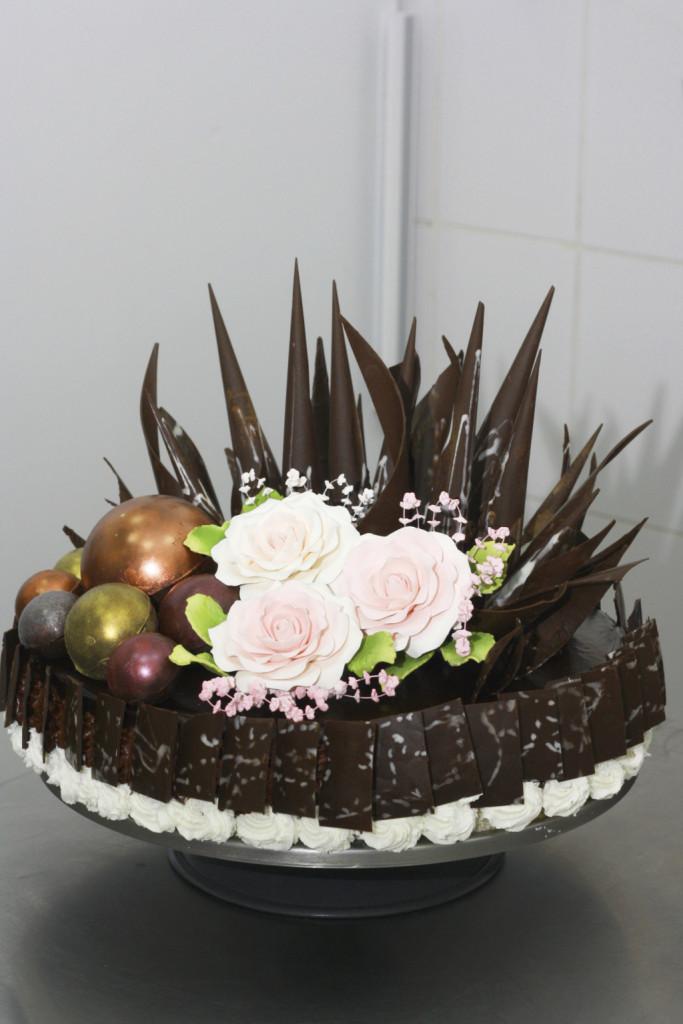 Dettagli realizzati col cioccolato.