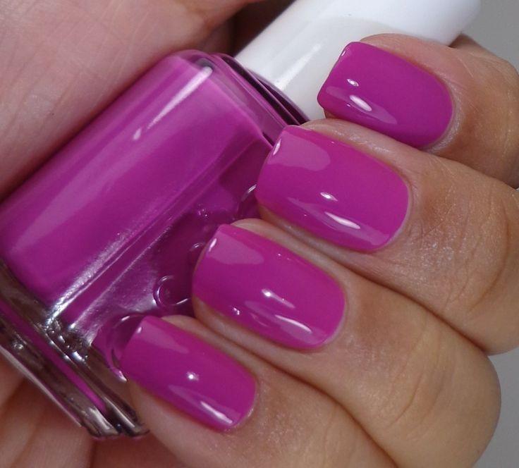Tonalità pastello e colore brillante per uno smalto ideale per l'estate 2014