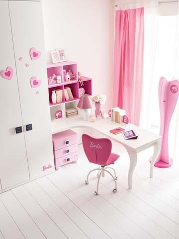 Angolo studio nella cameretta Barbie David