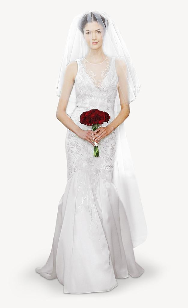 Aria, un abito in tulle, con un motivo ricamato in rosa avorio, satin doppiato organza e velo abbinato