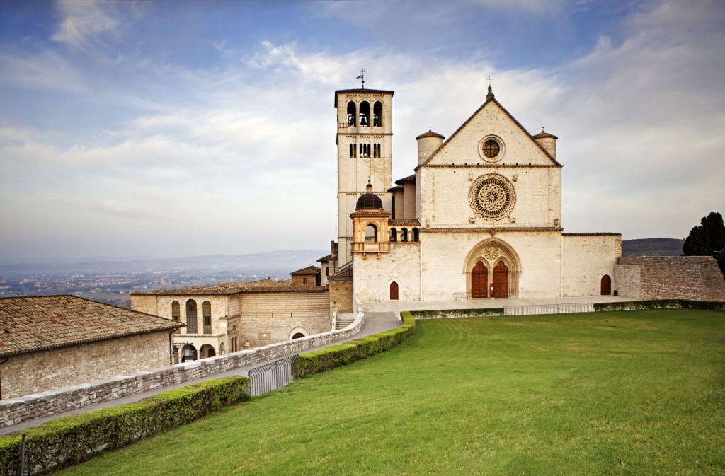Una vacanza in famiglia in ostello per visitare Assisi e la basilica di San Francesco
