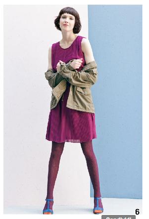 Vestito fucsia con plissé, e parka verde scuro, di Bensimon, della collezione autunno-inverno 2014-15