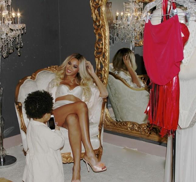 Beyoncé posa con la piccola Blue Ivy, figlia di Jay Z