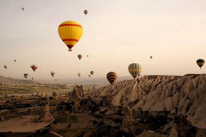 Cappadocia, un panorama da fiaba tra i camini delle fate