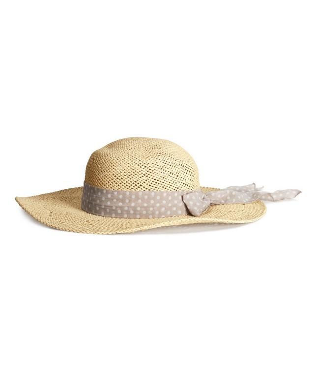 Cappello in paglia con fascia beige e pois bianchi, di H&M