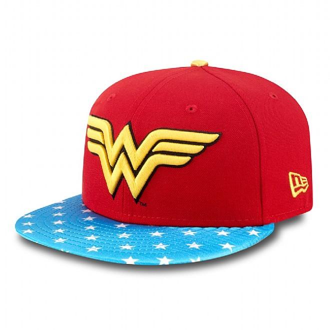 Cappello di New Era, modello Comic Girl Wonder Woman, rosso con visiera azzurra e pois bianchi