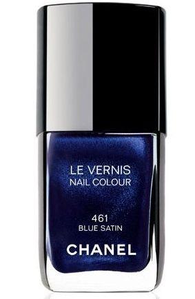 Smalto blu satin, una tonalità blu notte molto scura