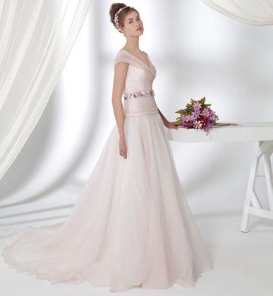 Collezione Gioiello, abiti da sposa Anna Ceruti rosa cipria