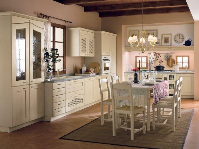 Tinta legno o laccata patinata, la cucina modello Ducale Arrital Cucine è semplice e allo stesso tempo elegante