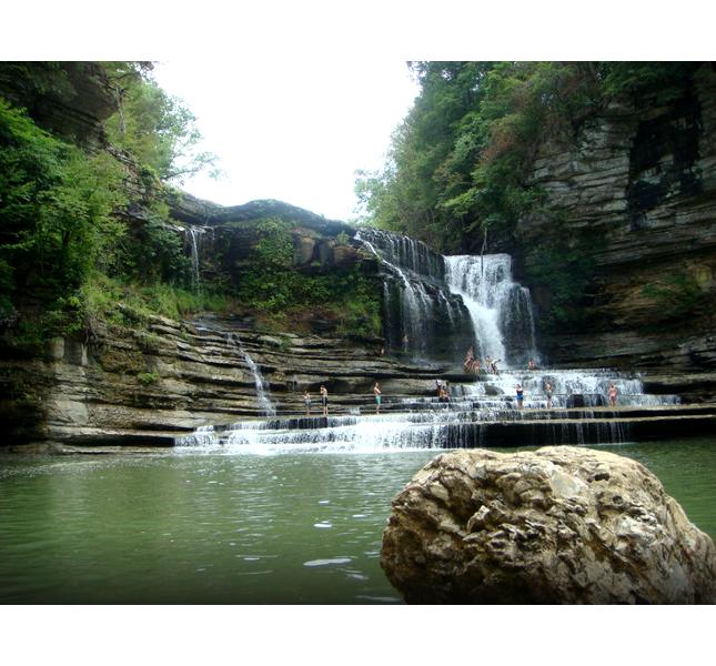 Un'altra visuale delle Cummins Falls
