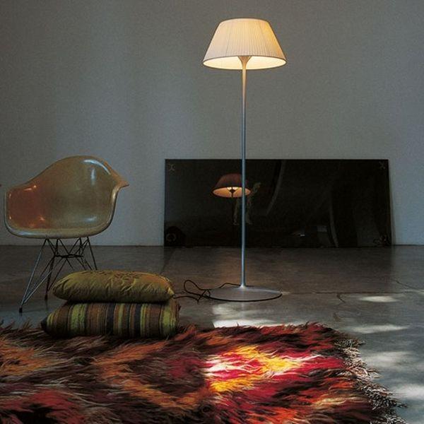 Romeo Soft F di Philippe Starck, è essenziale ed elegante, ma dalla luce calda e avvolgente