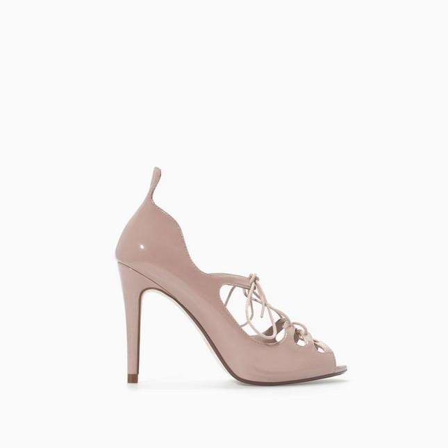 Sandali con tacco alto, di Zara