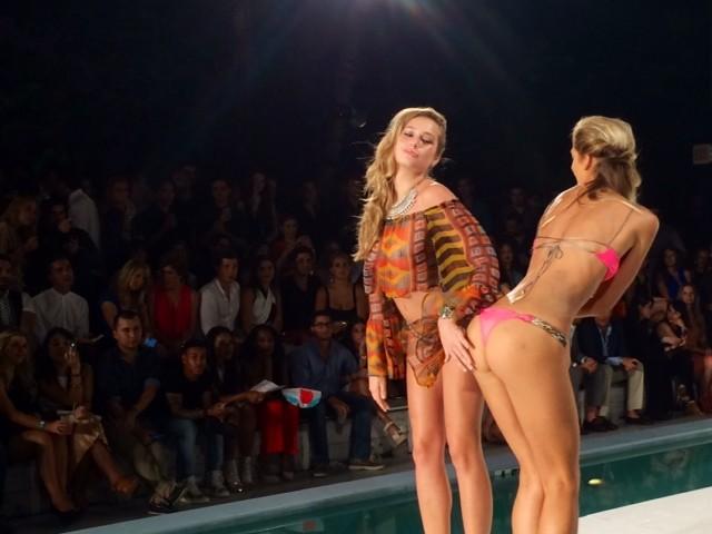 Colori pop, tinte fluo e fantasie tribal per i sexy bikini di I Shine 365