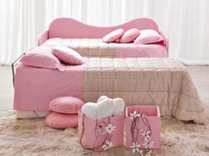Il divano letto aperto della cameretta Barbie Trendy