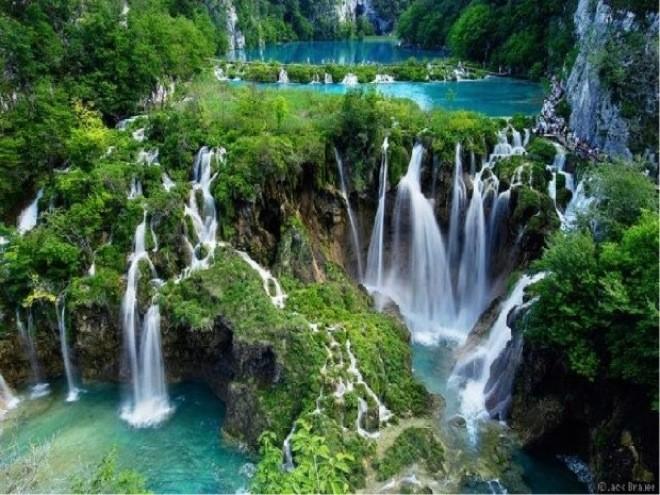 Una vera meraviglia della natura: il lago Plitvice, in Croazia