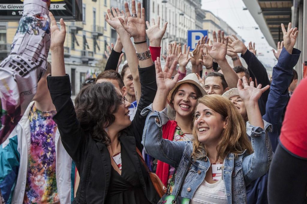 In tanti a Milano si sono dati appuntamento per il Seminaked party by Desigual