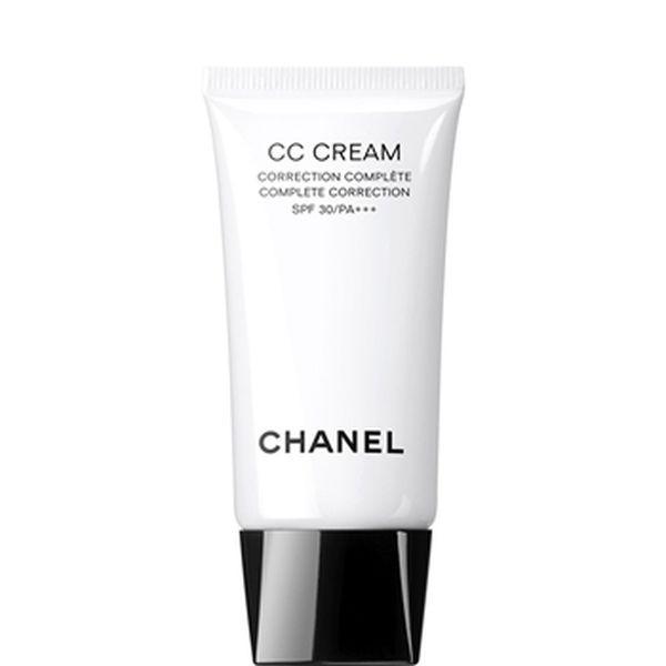 CC Cream Correzione Completa SPF 30/PA +++ di Chanel è un prodotto completo, che idrata, cura, protegge e colora la pelle, valorizzandone l'incarnato naturale