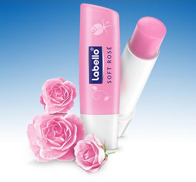 Per chi non vuole truccare le labbra, ma desidera che siano morbide e idratate, la risposta è il burrocacao Labello Soft Rosé