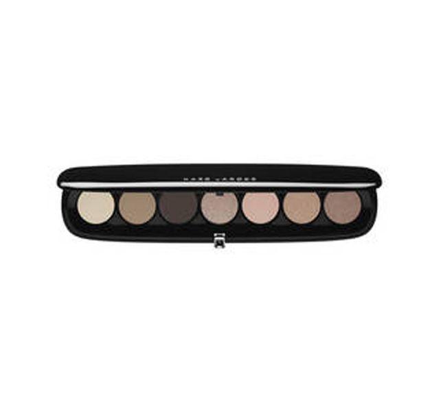 La palette ultra sottile di ombretti Marc Jacobs Style eye-con no. 7 The Lolita è l'ideale da tenere in borsetta