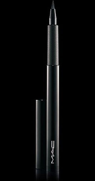 Mac Cosmetics Maleficent Penultimate Eye Liner è pensato per realizzare un tratto perfetto e ad alta definizione